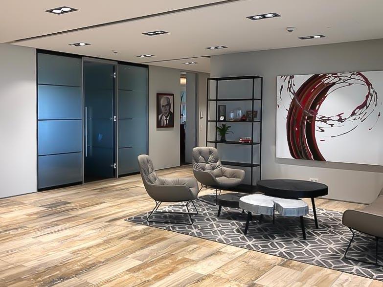 Wohn- und Empfangsbereich mit Stil